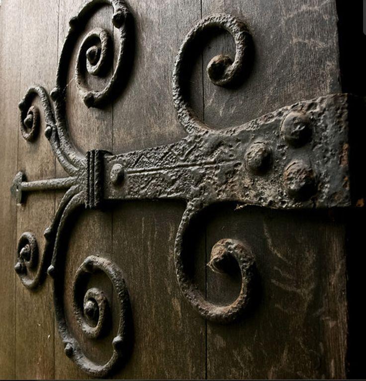 Castle Door Hinge - Design From Antiquity  - HH661