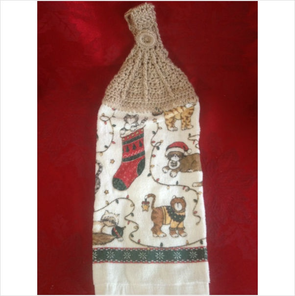 New Hand Crocheted Kitchen Christmas Kittens Towel