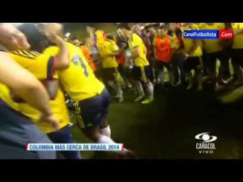 Celebración y Baile de Pablo Armero   Colombia vs Ecuador 1-0   Eliminat...