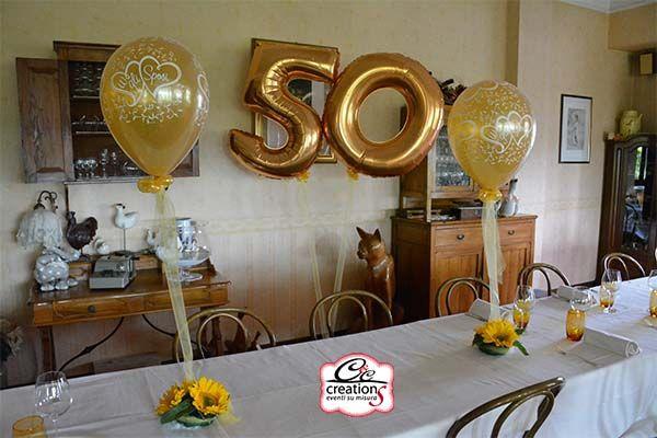 Addobbo con palloncini oro per festeggiare le Nozze d'oro, anniversario di matrimonio presso il Ristorante, a cura di C&C Creations Store