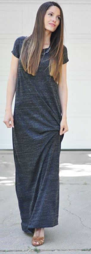 A tee-shirt maxi dress is the perfect staple item to have in your wardrobe this summer! It's versatile in style, allowing you to dress it up or down!