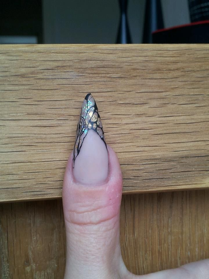 Negle negl dekoreret med Akryl maling og negle folie. Negle produkter fra Nail4you.