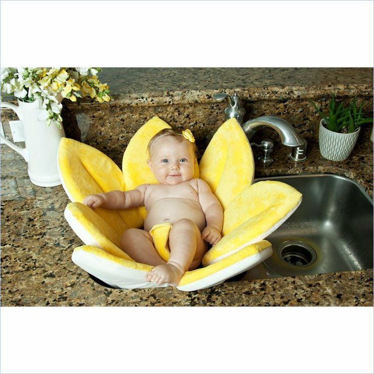 blooming bath in yellow finally available for sale in canada baby on boa. Black Bedroom Furniture Sets. Home Design Ideas
