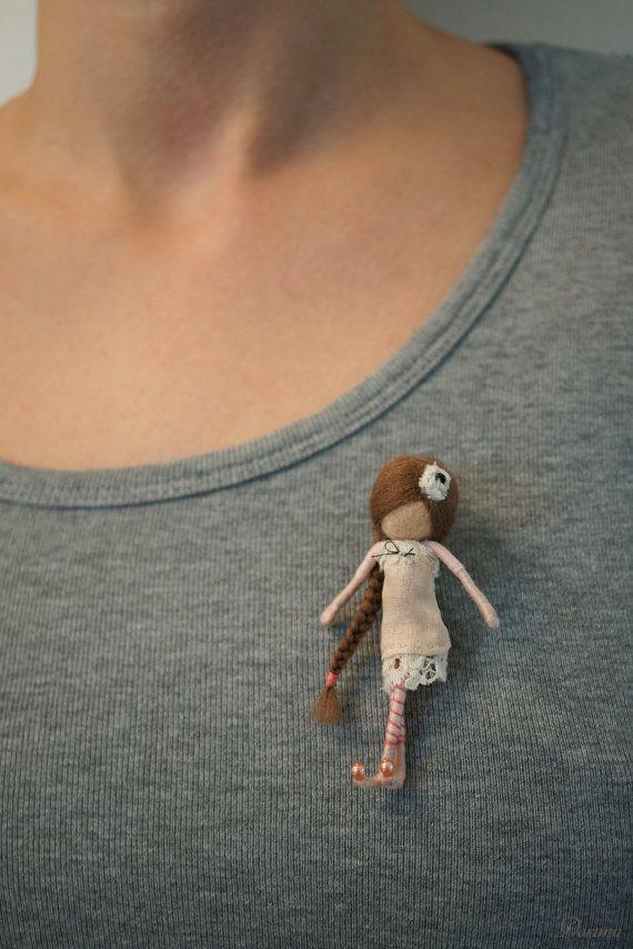 Vintage style OOAK fairy brooch by DORIMU on Etsy
