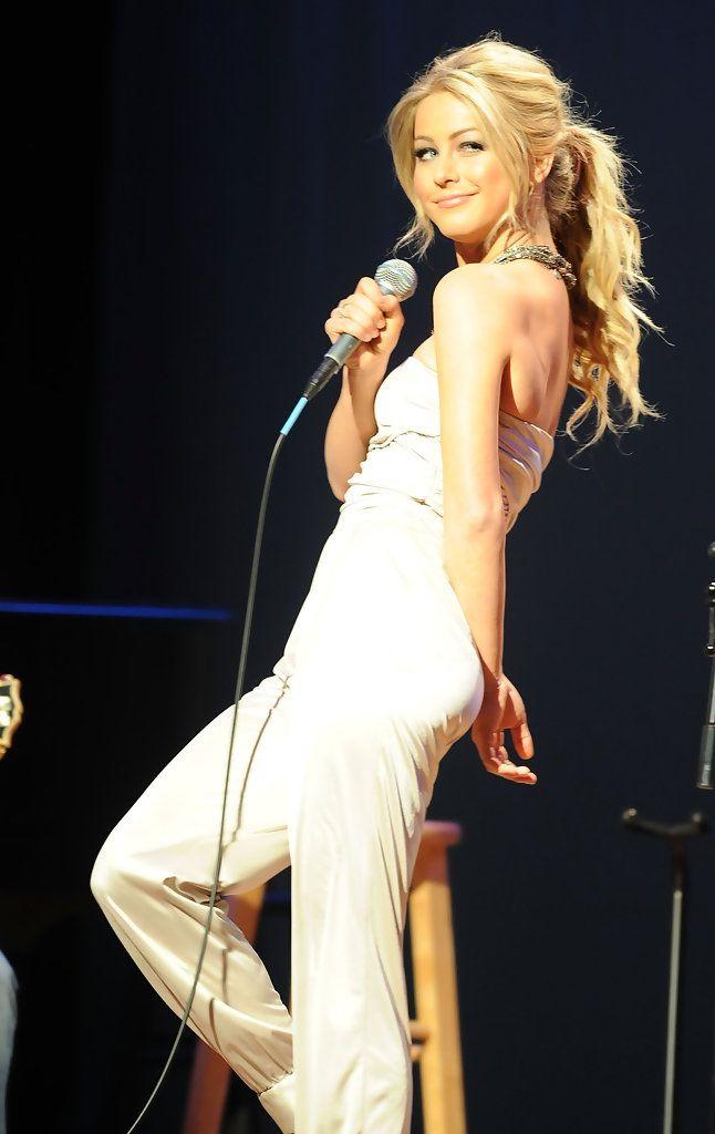 Julianne Hough Ponytail - Julianne Hough Looks - StyleBistro