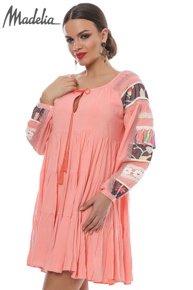 Rochie roz cu maneci accesorizate | Madelia Fashion - Magazin online haine și rochii de damă