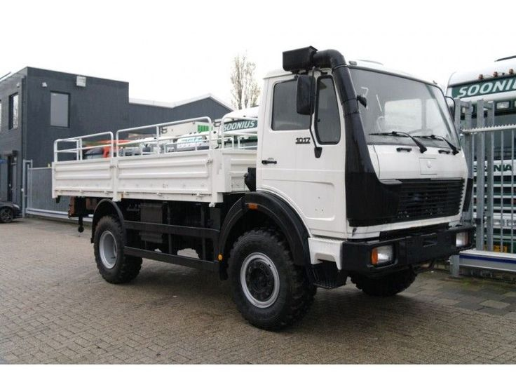 For sale - Trucks - Lorry - Mercedes Benz - 1017 4X4 MANUAL GEARBOX | 2787658