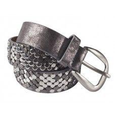 Grijze lederen riem voorzien van kleine stoere zilverkleurige studs. Deze riem is goed te combineren bij elke outfit en een ware eyecatcher | grey.
