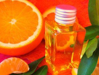 Πως θα φτιάξεις μόνη σου λάδι πορτοκαλιού (για την ομορφιά σου) σε ένα λεπτό!