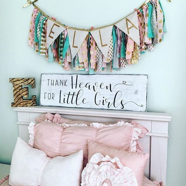 LilyBeth's room... You can find the sign on our website under the kids/nursery collection, adorable banner is thanks to @pearlandjane and precious bedding from @beddysbeds. A perfectly cute combination!