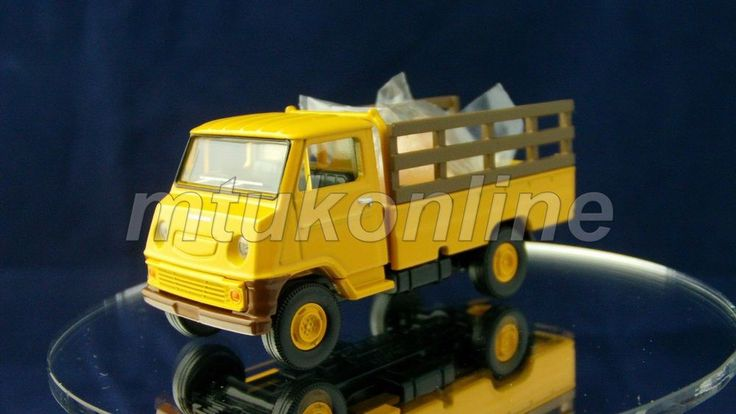 TOMICA LV 72 | TOYOTA TOYOACE TRUCK 1959 | 1/64 | FARM CATTLE TRUCK