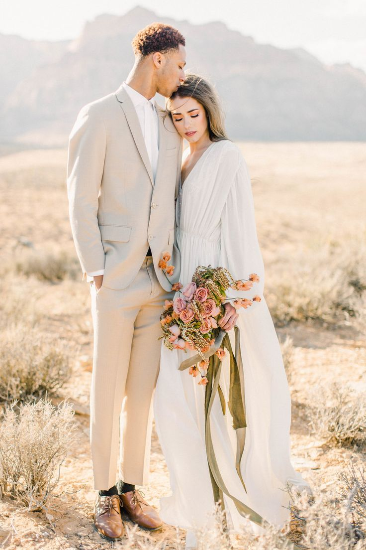 Romantic Desert Elopement by Babsie Ly Pictures