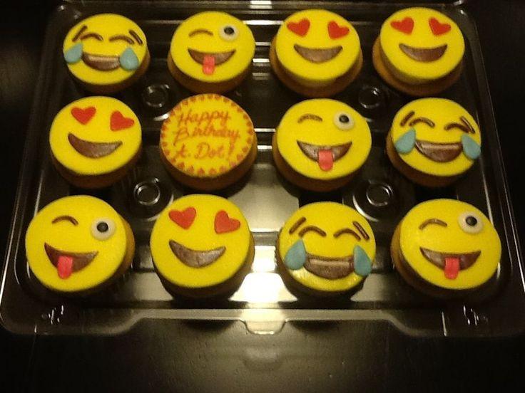 Emoji Cupcakes Cupcake Wars Pinterest Crushed Velvet