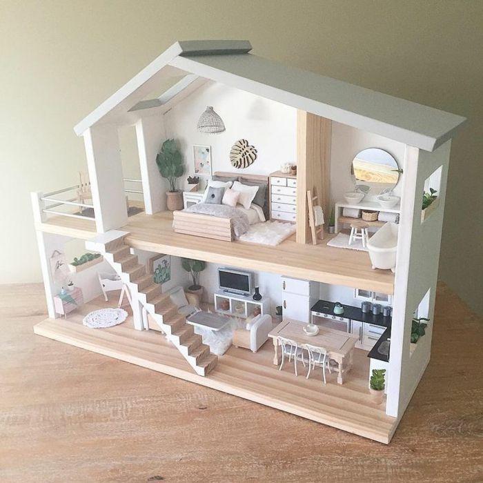 maison bois poupée avec escalier et meubles en bois