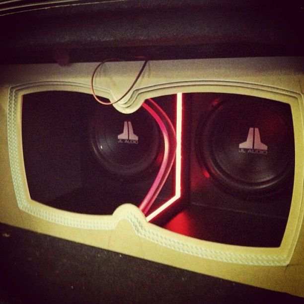 custom car stereo trunk install