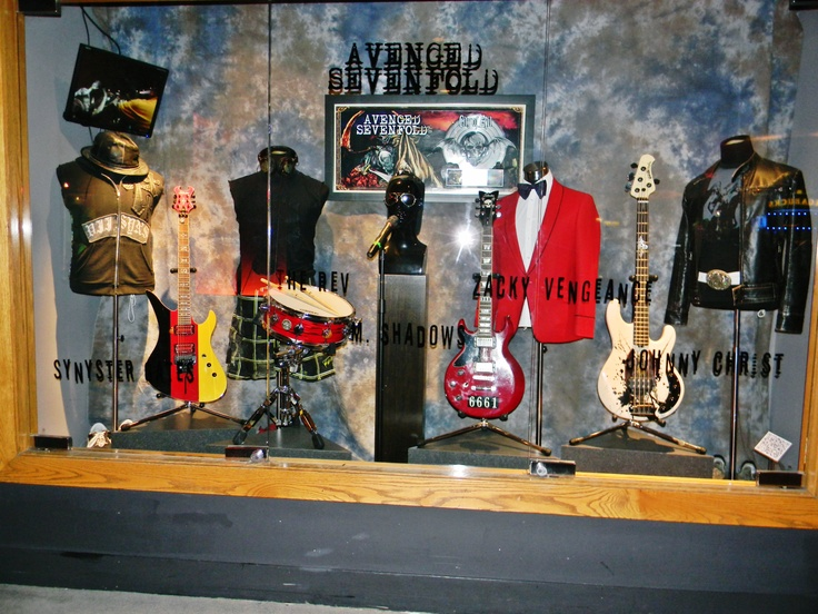 At the Hard Rock Hotel & Casino, A7X's City of Evil display......right, I really need to see this ○-○ ♡