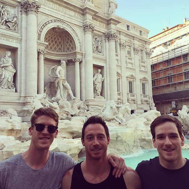 Just trying give the Trevi Fountain a tinge of ginge 🔥🔥🔥. Great time exploring the city yesterday, now time to prepare for our next World League match! Tomorrow night vs. the Belgies 🇧🇪🇧🇪🇧🇪 #lezzgooooo!