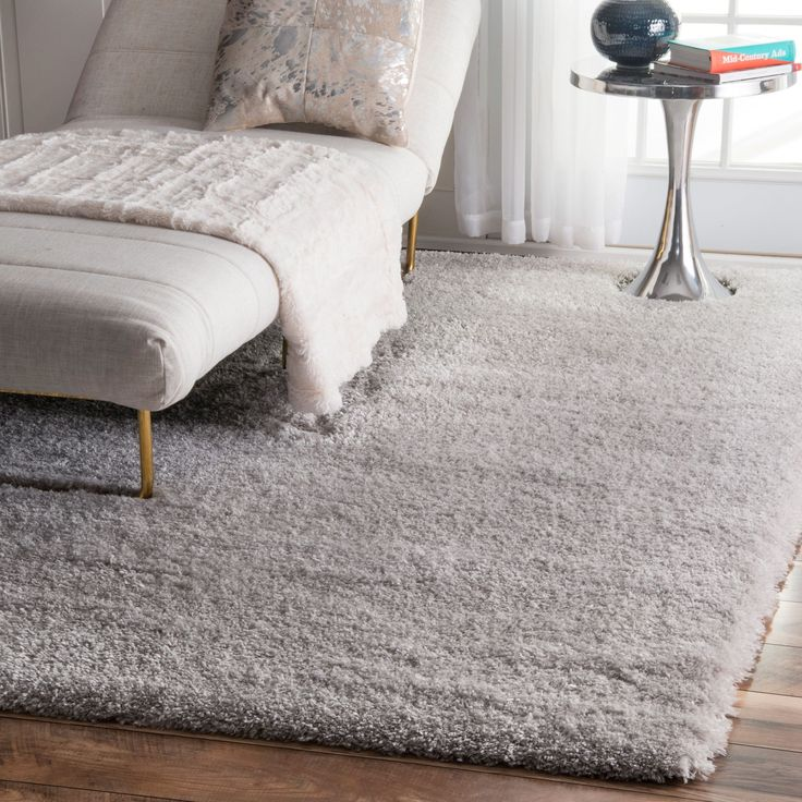Charming Soft And Plush, The Pile On This Contemporary Area Rug Is Made From 100%