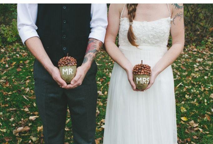 Fall wedding, Autumn wedding idea.  Mr. & Mrs. Acorn photo for the bride and groom.
