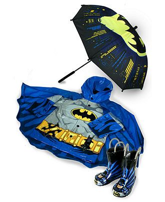 My little boy would just go crazy for this cute rain gear!