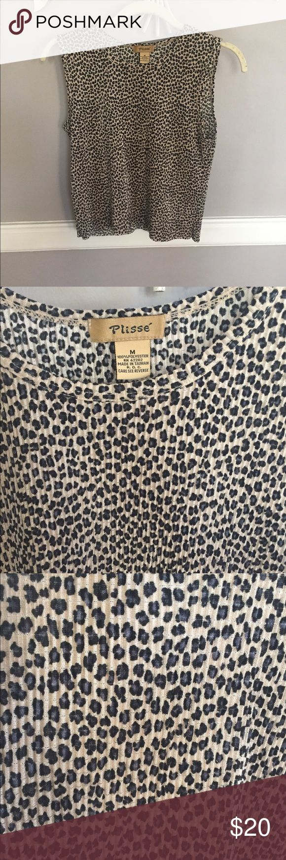 Leopard Print Boxy Crop Top Comfortable and trendy Boxy-cut crop top! Plisse Tops Crop Tops