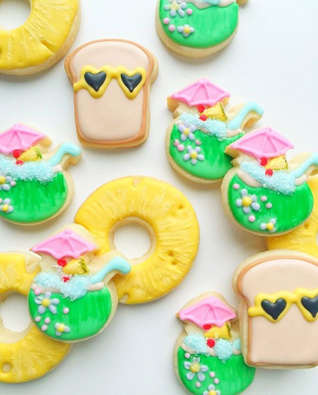 Obsessed. 😎🍍🍞🍹📷 @madebymush [CookieCutterKingdom Toast, Donut and Coconut Drink Cutters] #cookiecutterkingdom