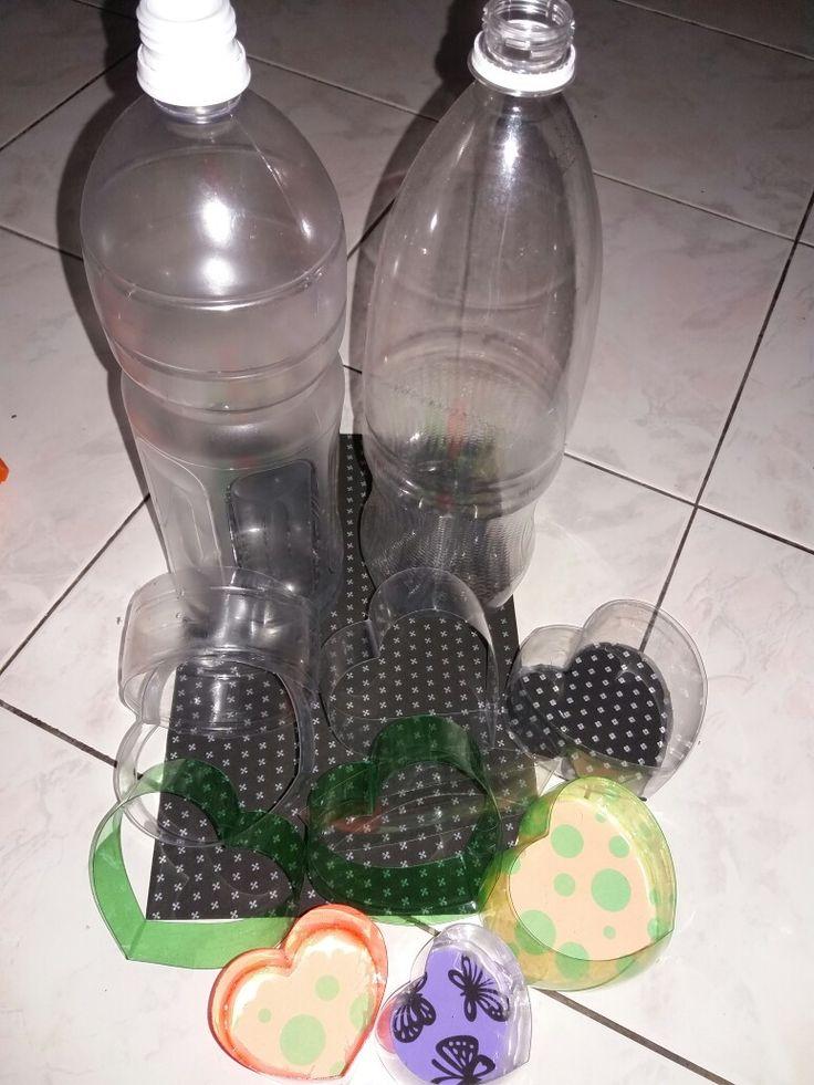Kotak hadiah love dari botol plastik