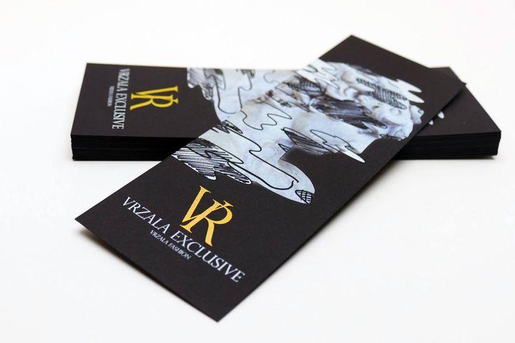 """Visačka """"Vrzala Fashion"""" - tlač bielou a zlatou na čierny kreatívny papier"""