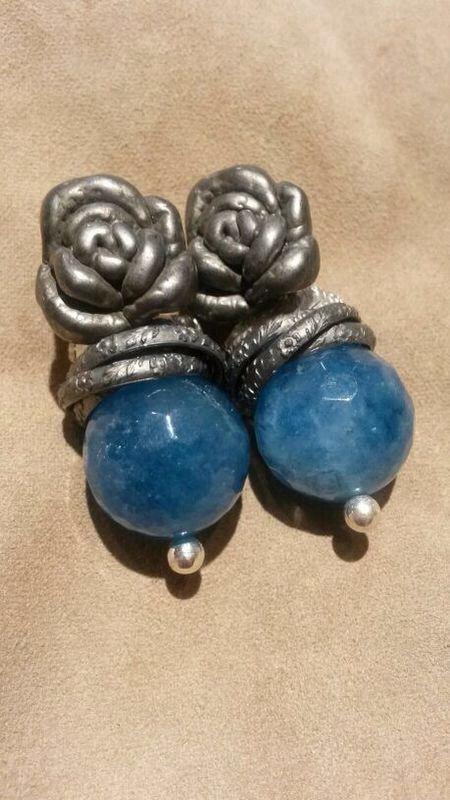 Azzurro e fiore in argento