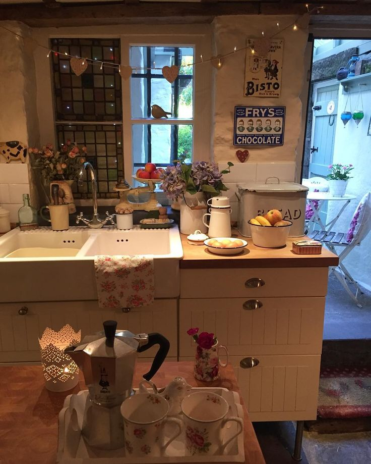 English Cottage Kitchen Designs: Joanwalker11 On IG. In 2019