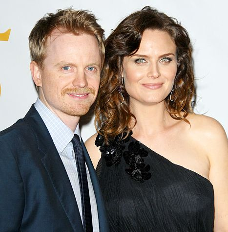Emily Deschanel Is Pregnant, Expecting Second Child: See Her Baby Bump - Us Weekly