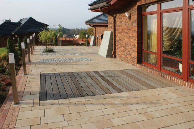 Drewniane nawierzchnie na taras, balkon i do ogrodu - ciekawe połączenia materiałów
