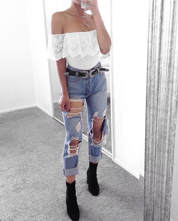 Best 25+ Distressed Jeans Ideas On Pinterest | Ripped Jeans Distressed Jeans Outfit And Ripped ...