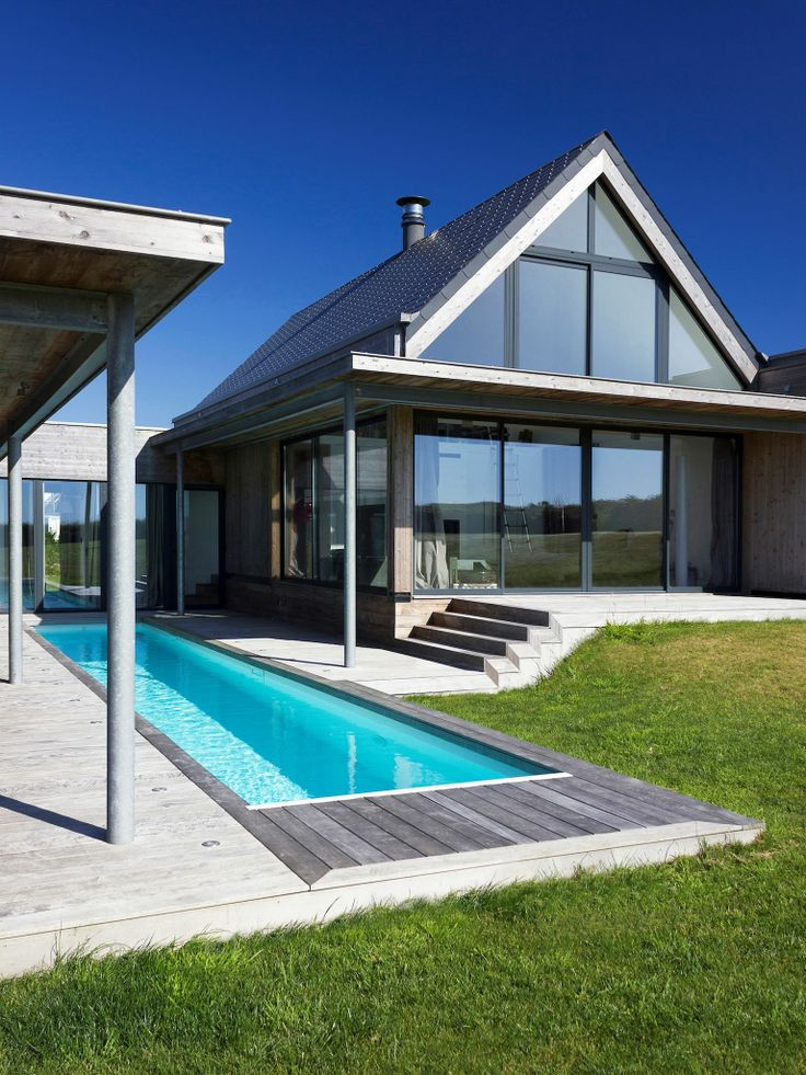 1000 images about piscines couloir de nage on pinterest design photos and shorts - Revetement de piscine poitiers ...