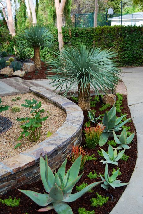 landscaping around pool area - Garden Ideas Around Swimming Pools