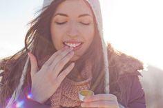 Lábios ressecados e rachados: 3 dicas salvadoras para deixar os lábios macios e hidratados, inclusive no inverno, e evitar o ressecamento!