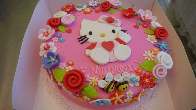 Hello Kitty Cake by CAKE Amsterdam - Cakes by ZOBOT, via Flickr