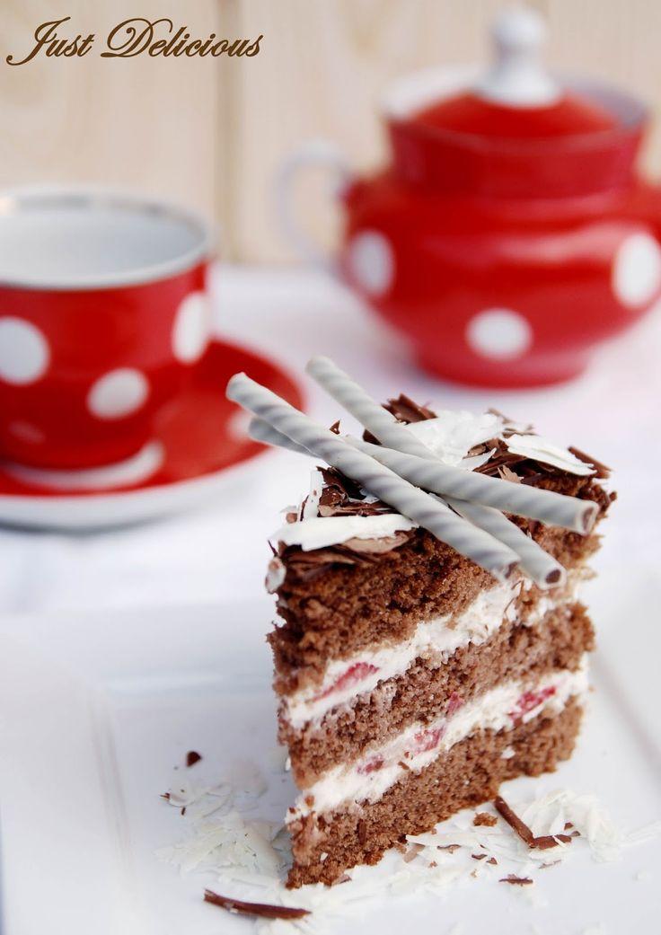 S narodeninami môjho priateľa prišla výzva na upečenie torty. Tortu som sama ešte nikdy nepiekla a trošku som sa obávala či to zvládnem, ...