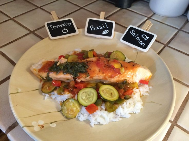 This is extremely healthy, easy, and delicious. Homestead Homey and I shared this meal on NYE 2014 together before a fun filled night with our friends. #localfood #OneOceanSeafood @yinandyummy.com