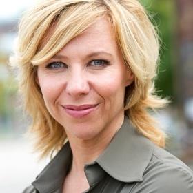 Claudia de Breij, Dutch comedian, radioDJ, frequently co-hosting a daily tvshow