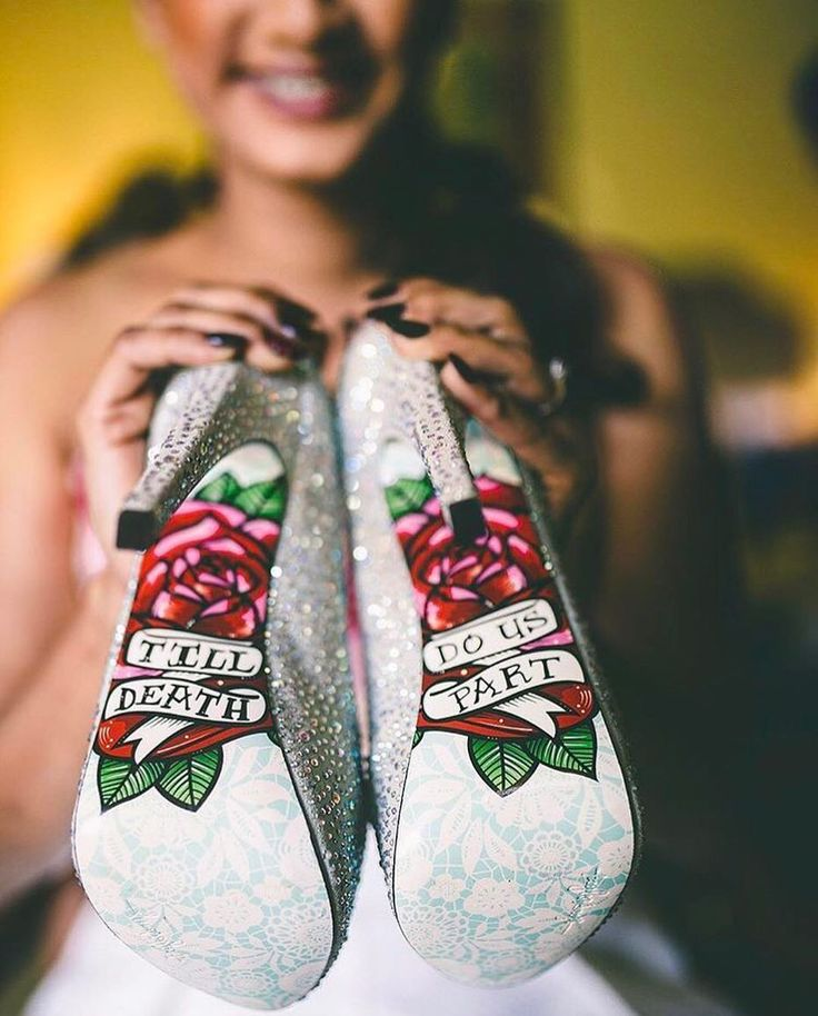 Customised wedding bridal shoes are a new trend #bridalfootwear #stilettos #customisedfootwear #shaadisaga