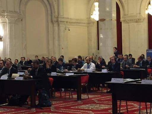 """""""Guvernul României şi-a asumat-prin parteneriate Europene şi Euroatlantice-susţinerea dezvoltării în România de soluţii şi capabilităţi pentru a deveni un lider regional în domeniu. Suntem hotărâţi să susţinem şi să promovăm iniţiativele şi măsurile programatice care vor asigura creşterea întregii infrastructuri de comunicaţii şi informatică din domeniul aviaţiei civile"""", a declarat  Ministrul Transporturilor, Sorin Buşe"""