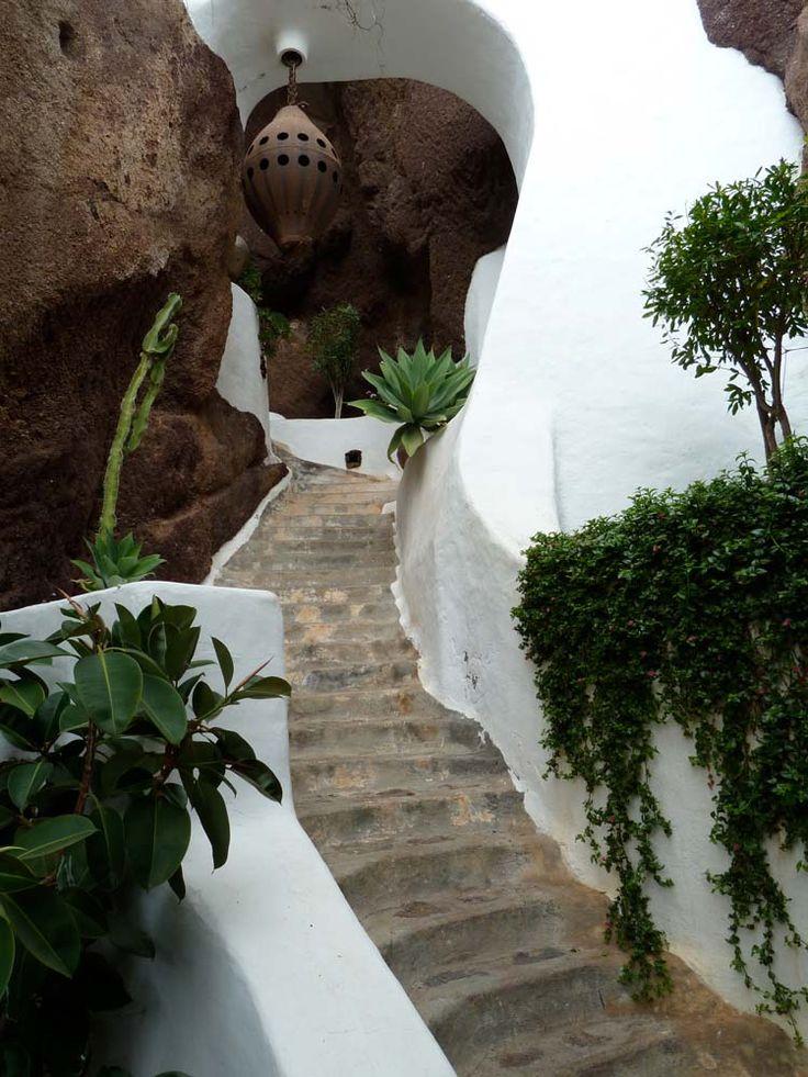 La cueva Lagomar (Lanzarote)    Casa de Omar Shariff. Lagomar, Lanzarote Canary Islands. Spain - a space to remember.