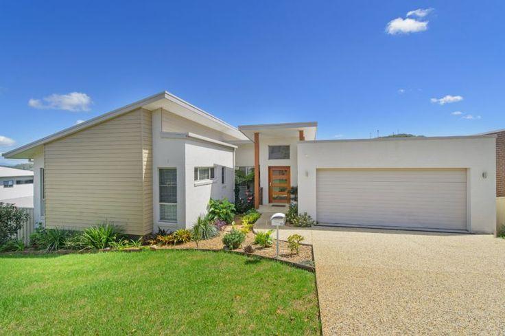 Real Estate For Sale - 19 Ocean Ridge Terrace - Port Macquarie , NSW