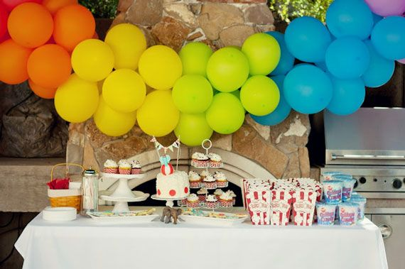 Ball First Birthday Party | Joe blew up 72 balloons for her son, Fin's, 1st birthday party ...