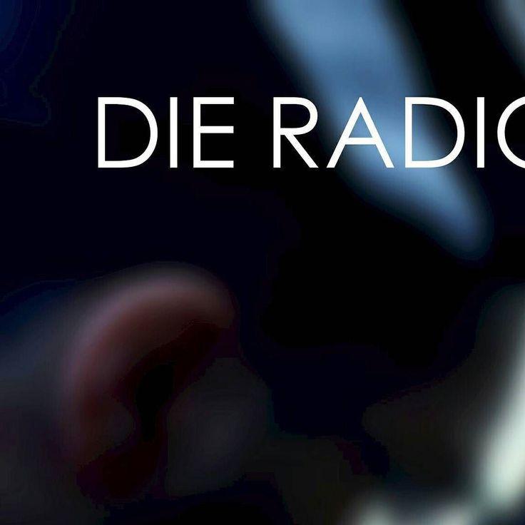 Um 16uhr heute auf www.rockradio.de präsentier ich euch die #radio #sendung #wahl #lokal mit #deutschsprachige r #musik #poesie von #rock #undie #pop #songwriter #liedermacher bis #spass und #gute #laune. Kommt vorbei in die #raumerstrasse #prenzlauerberg #berlin oder schaltet ein. Wird #cool mit #guten #vibes und #edelstern