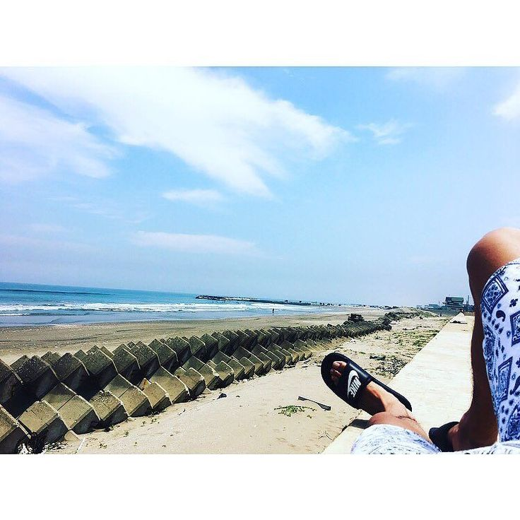 Check out our Surf clothing here! http://ift.tt/1T8lUJC 本日も晴天なり . #surf#surfing#surfer#aftersurf#surfers#surfboard#surflife#surfsup#surfgirl#sea#chill#nike#nikeshoes#nikebenassi#benassi#ナイキ#ベナッシ#海#サーフィン#サーフ#まるでキウイ