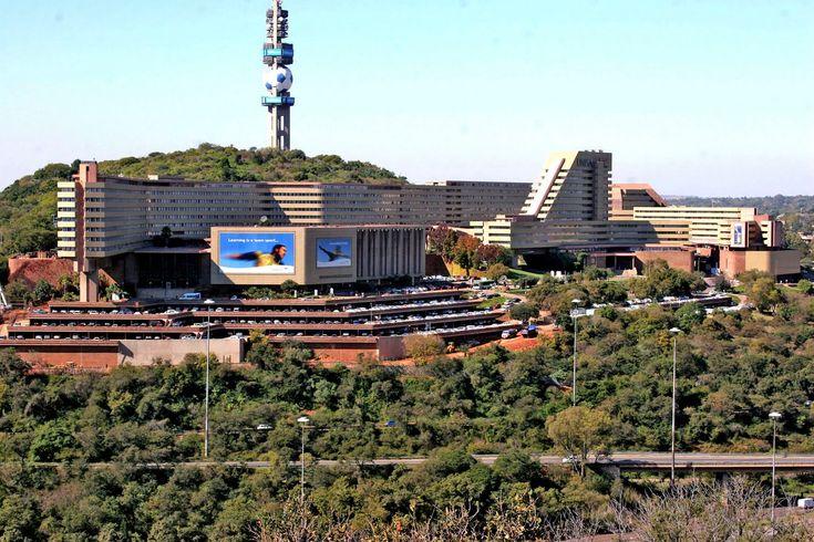 UNISA campus : Pretoria by masterplanner Brian Sandrock.