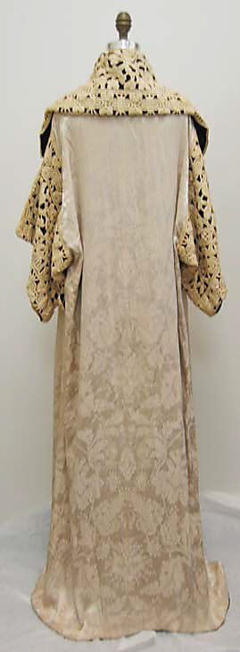 Opera coat Paul Poiret  (French, Paris 1879–1944 Paris)   Date: 1911 Culture: French Medium: silk. Back