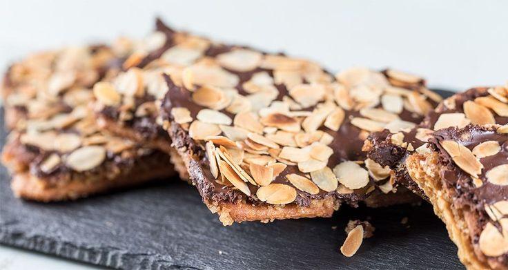 Συνταγή για φλωρεντίνες με σοκολάτα και καραμέλα από τον Άκη Πετρετζίκη.  Φτιάξτε την για εσάς αλλά μπορείτε να τις προσφέρετε και σα δώρο στους καλεσμένους σας